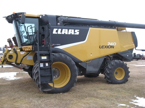 Combine For Sale:  2013 CLAAS LEXION 740