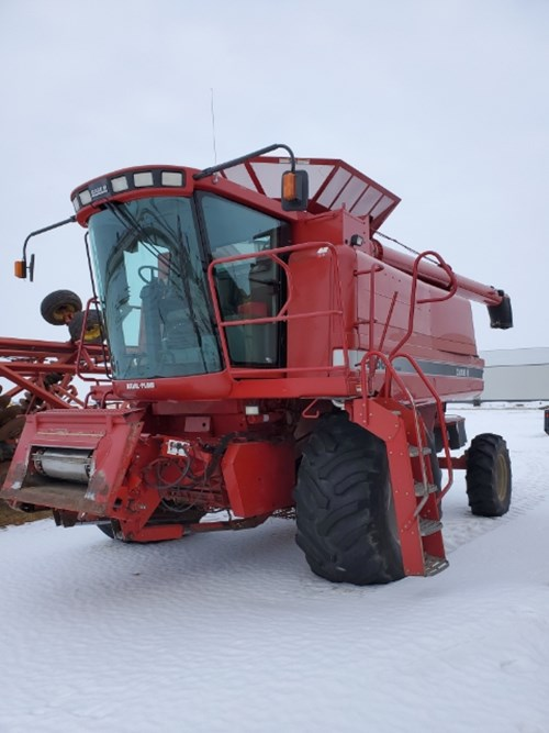 Combine For Sale:  1997 Case IH 2166