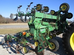 Row Crop Cultivator For Sale John Deere 845