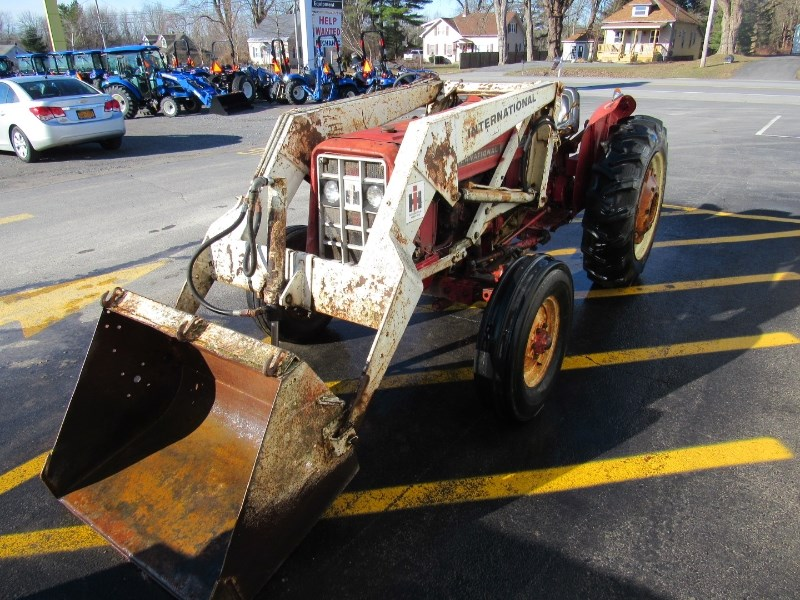 1975 International 354 Tractor For Sale
