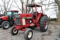 Tractor For Sale 1979 International 886 , 90 HP