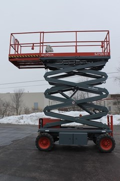 Scissor Lift-Rough Terrain For Sale 2011 Skyjack SJ7135