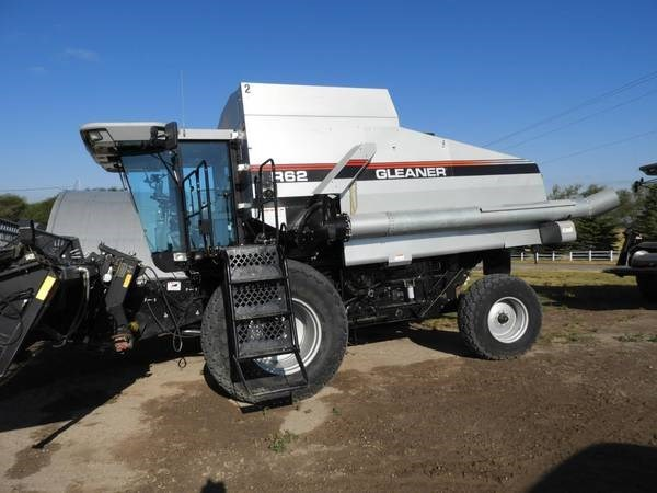 1998 Gleaner R62 Combine For Sale