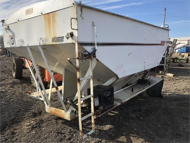 Willmar 1600 Dry Fertilizer-Transport Auger Trailer For Sale