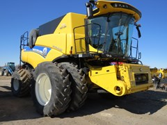 Combine For Sale 2018 New Holland CR8.90