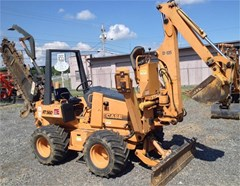 Trencher-Rubber Tires For Sale 2002 Case 560