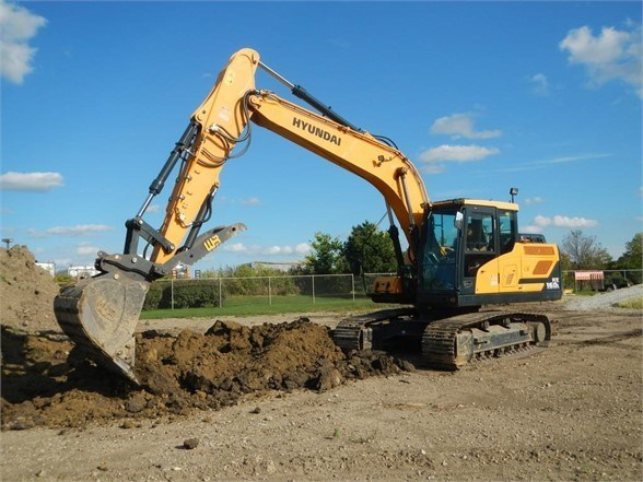 2018 Hyundai HX160L Excavator-Track For Sale