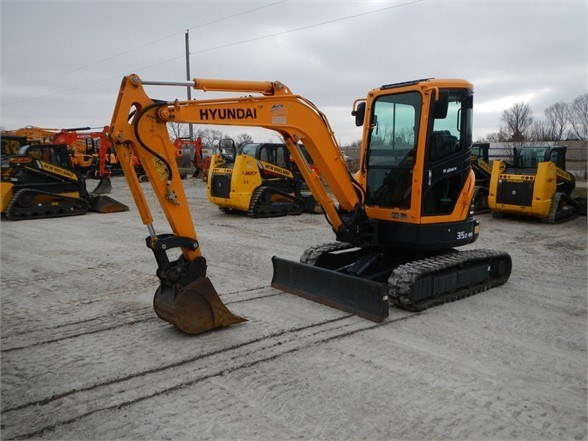 2016 Hyundai ROBEX 35Z-9A Excavator-Mini For Sale