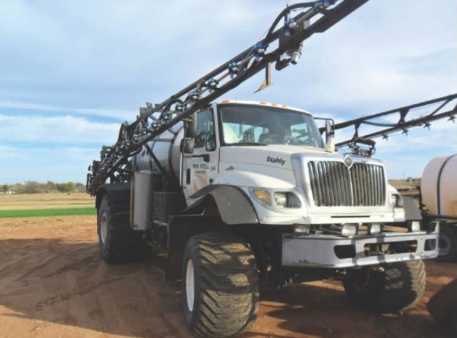 2006 International 7600 Floater/High Clearance Spreader For Sale