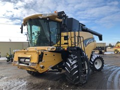 Combine For Sale 2004 New Holland CR940
