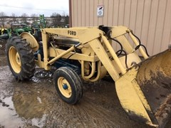 Tractor - Utility For Sale 1964 Ford 2000