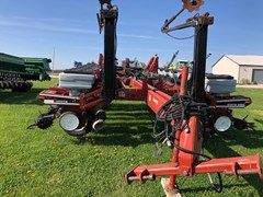 Planter For Sale 1995 White 6180