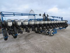 Planter For Sale 2000 Kinze 3600