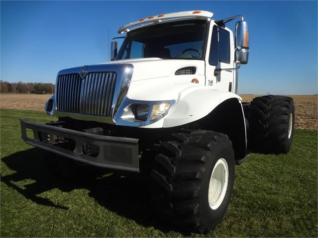 2004 Silverwheels 7600 Misc. Truck For Sale