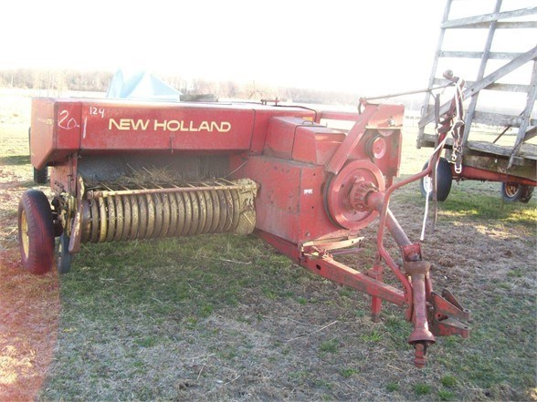 1972 New Holland 276 Baler-Square For Sale