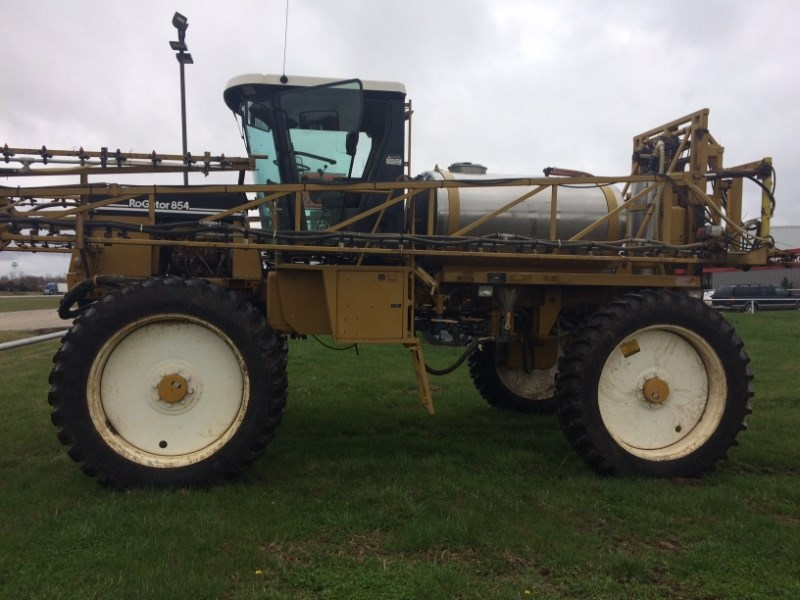 1997 Ag Chem ROGATOR 854 Sprayer-Self Propelled For Sale
