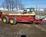 Manure Spreader-Dry/Pull Type For Sale: New Holland 185