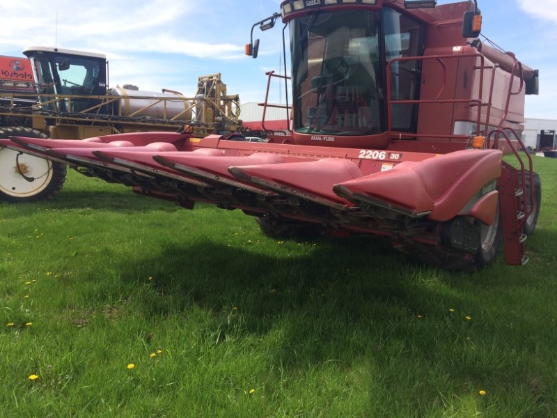 2004 Case IH 2206 Header-Corn For Sale