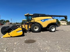 Combine For Sale 2011 New Holland CR9060