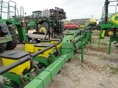 Planter For Sale 1998 John Deere 1720