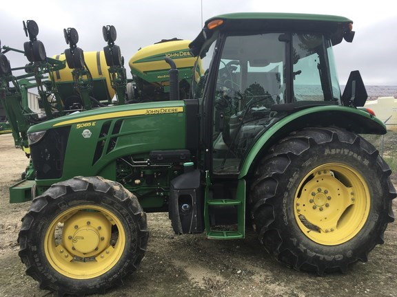 2016 John Deere 5085E Tractor - Utility For Sale