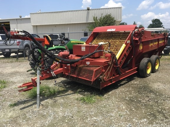 2017 Other DB4 Manure Spreader-Dry/Pull Type For Sale