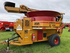 Tub Grinder - Feed/Hay For Sale 2016 Haybuster H-1030
