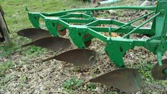 Plow-Moldboard For Sale John Deere a0045