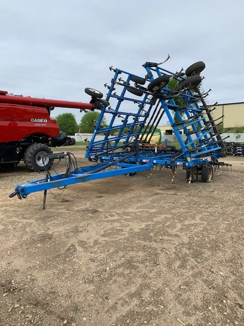 2000 DMI TM II Field Cultivator For Sale