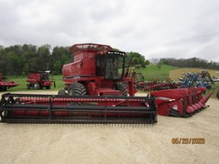 Combine For Sale 1993 Case IH  1688 PKG