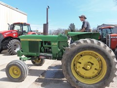 Tractor - Row Crop For Sale John Deere 3020 , 70 HP