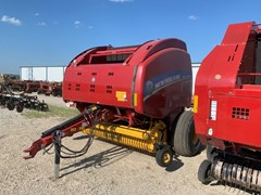 Baler-Round For Sale 2016 New Holland RB560