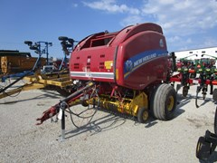 Baler-Round For Sale 2015 New Holland RB460