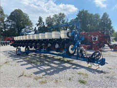 Planter For Sale 2004 Kinze 3600