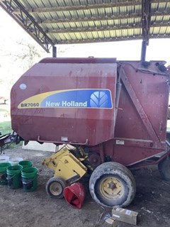 Baler-Round For Sale 2012 New Holland BR7060