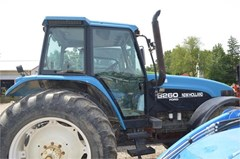 Tractor For Sale 1997 New Holland 8260 , 140 HP