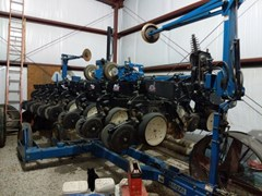 Planter For Sale 2004 Kinze 3500
