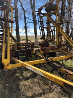 Field Cultivator For Sale 1983 Kent 6327