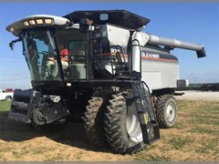 Combine For Sale 2005 Gleaner R75 , 330 HP