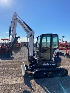 Excavator-Track  Bobcat E35 T4