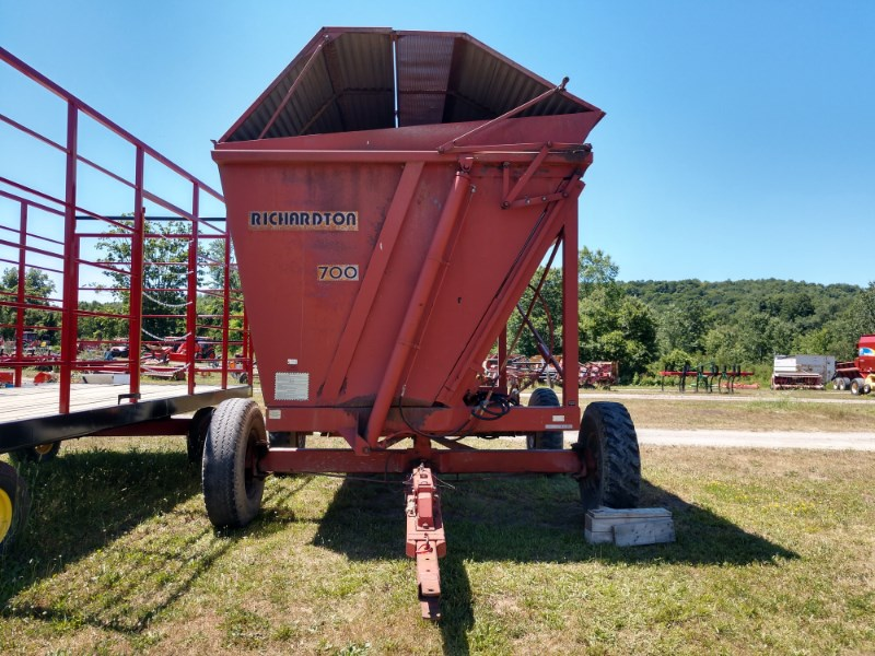 Richardton 700 Dump Cart For Sale