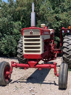 Tractor For Sale 1961 International 560 , 70 HP