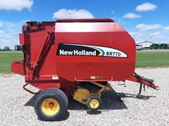 Baler-Round For Sale 2005 New Holland BR770A