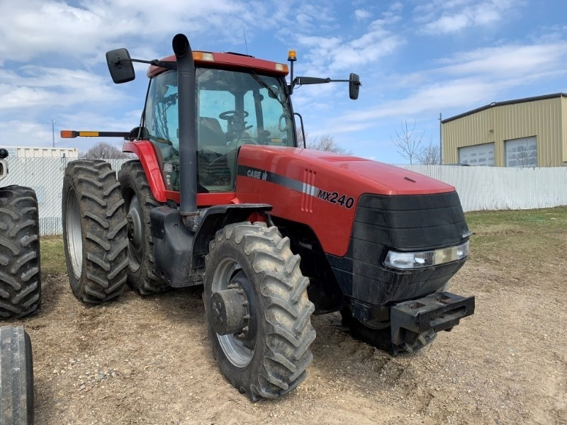 2000 Case IH MX240 Tractor For Sale