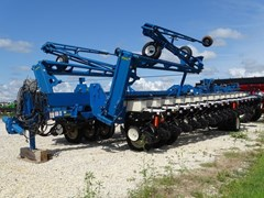 Planter For Sale 2005 Kinze 3800