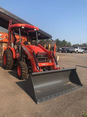 2021 Kubota M62, Loader Backhoe For Sale