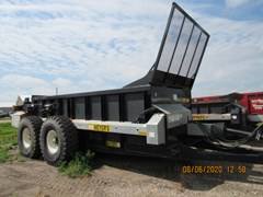Manure Spreader-Dry/Pull Type For Sale Meyers 3750
