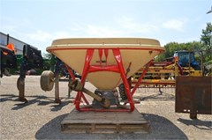 Dry Fertilizer-Transport Auger Trailer For Sale Vicon PS802