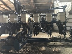 Planter For Sale 2009 Kinze 3500