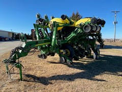 Planter For Sale 2003 John Deere 1790
